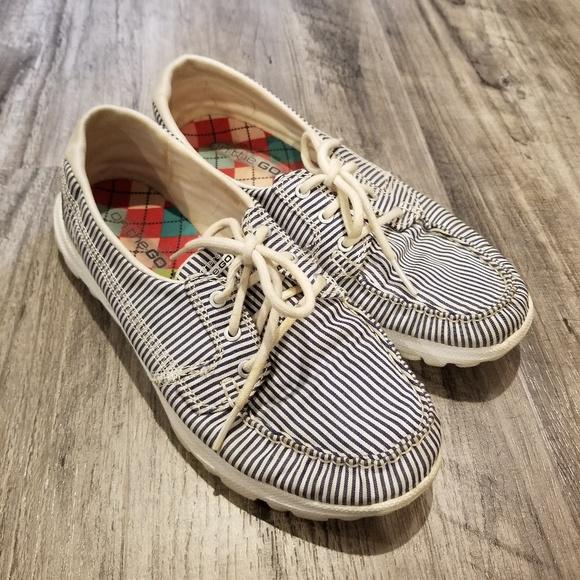sketcher boat shoes